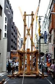 菊水鉾の鉾建て