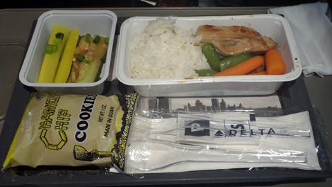 1407デルタ航空機内食