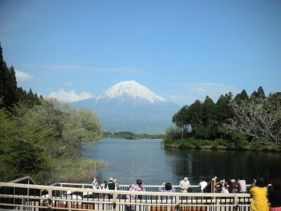 休暇村富士前より