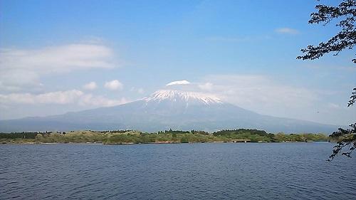 田貫湖畔からの富士山