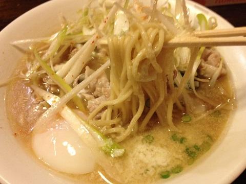 新川桃豚麺