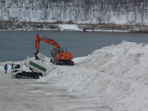 割山雪捨て場2