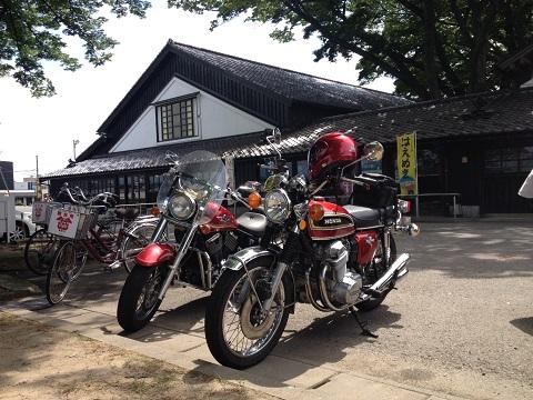 山居倉庫バイク