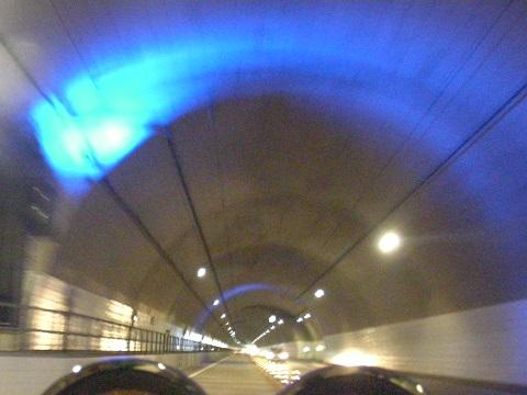 16トンネルブルー2