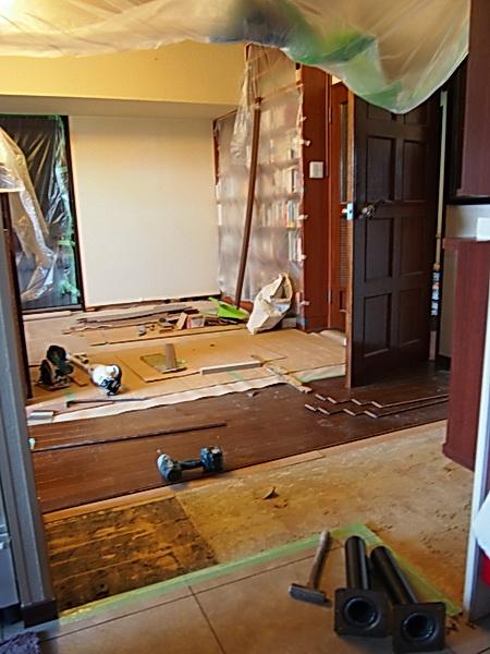 リビングの床修繕工事