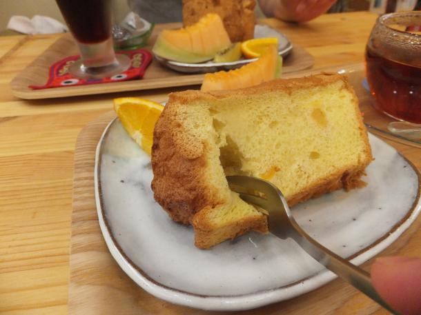 杏のシフォンケーキ