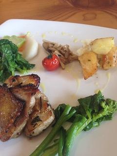カフェレストラン コア デザイン 比内地鶏の石窯香草焼きセット