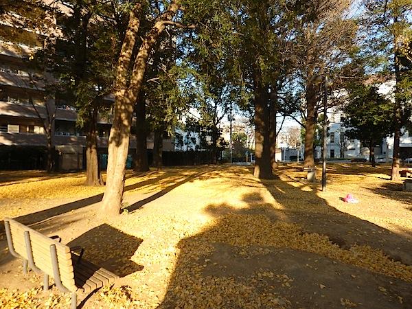 「稲荷公園」