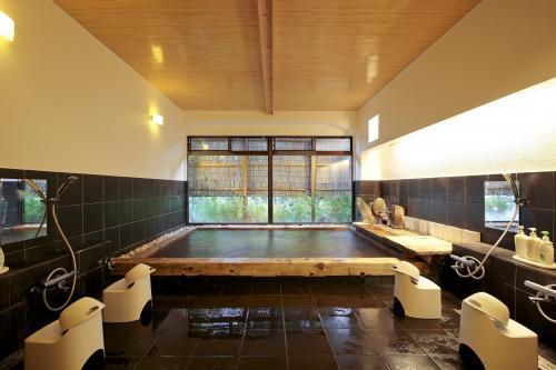 総檜風呂『檜の箱』
