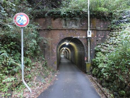 相坂隧道05