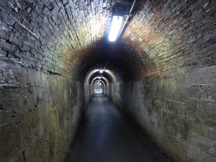相坂隧道08