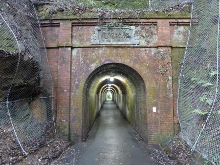 相坂隧道09