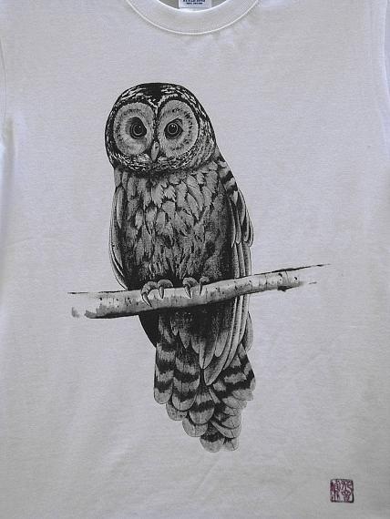 フクロウ手描きTシャツ