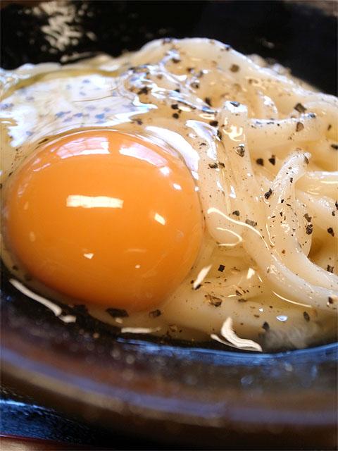 140209うどんバカ一代-釜バターうどん・生卵