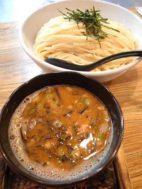 140402二代目白神-博多つけ麺