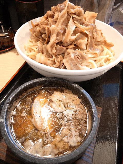 131219丸和各務原-肉胡椒つけ麺700g肉マシ