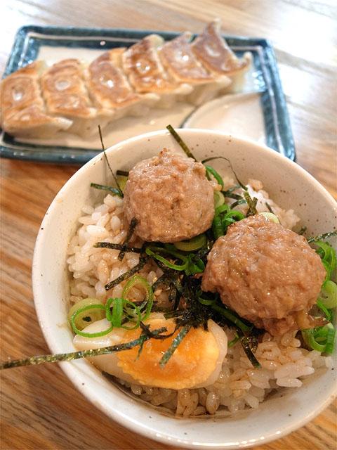 140702神王-つみれ丼と餃子