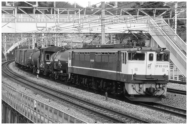 11EF65PF貨物87_03o