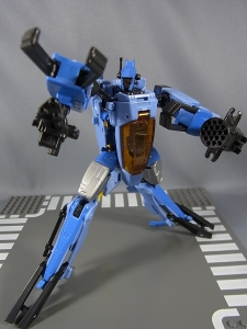 TF GENERATIONS WHIRL012