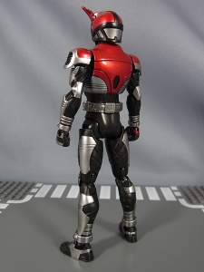 S.H.Figuarts 仮面ライダーカブト ライダーフォーム008