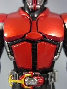 S.H.Figuarts 仮面ライダーカブト ライダーフォーム014
