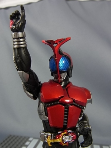 S.H.Figuarts 仮面ライダーカブト ライダーフォーム028
