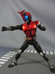 S.H.Figuarts 仮面ライダーカブト ライダーフォーム035