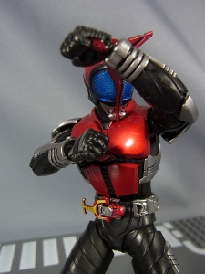 S.H.Figuarts 仮面ライダーカブト ライダーフォーム037
