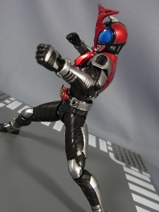 S.H.Figuarts 仮面ライダーカブト ライダーフォーム038