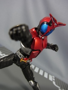 S.H.Figuarts 仮面ライダーカブト ライダーフォーム040