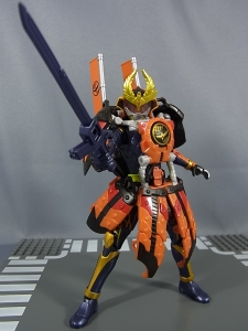仮面ライダー鎧武 (ガイム) AC11 仮面ライダー鎧武 カチドキアームズ037