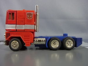TF Generation 2 Optimus Prime012