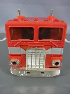 TF Generation 2 Optimus Prime013
