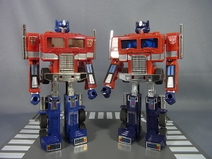 TF Generation 2 Optimus Prime021