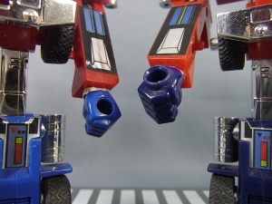 TF Generation 2 Optimus Prime022