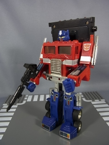 TF Generation 2 Optimus Prime023