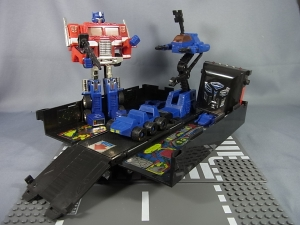 TF Generation 2 Optimus Prime026