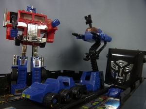 TF Generation 2 Optimus Prime027