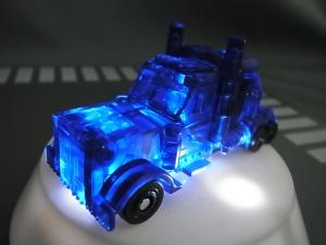 てれびくん2014 8月号付録 クリアーバージョン オプティマスプライム ライト004