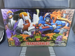 Botcon 2014 Pirates vs Knights box set BOX001