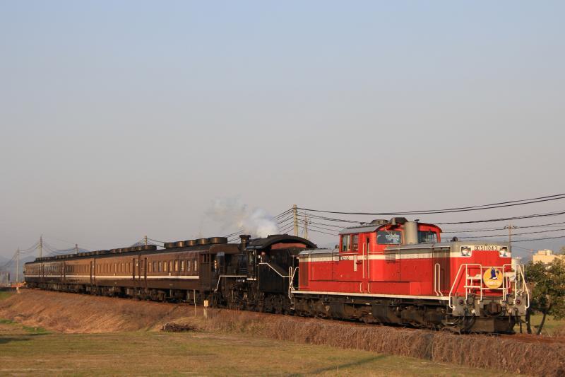 C56-160+DD51-1043+12系客車