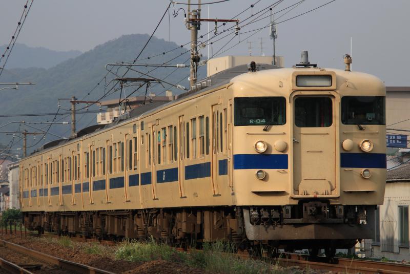 115系4両 R-04