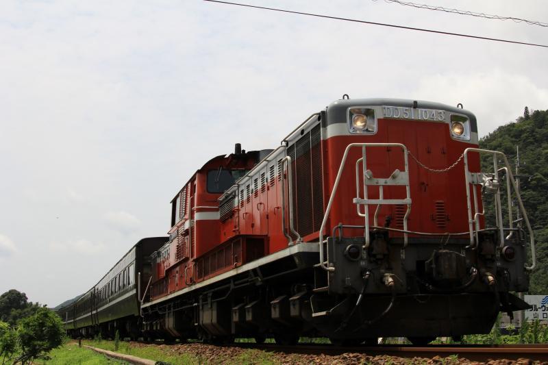 DLやまぐち号 DD51-1043+12系