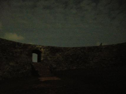 月夜のザキミ城