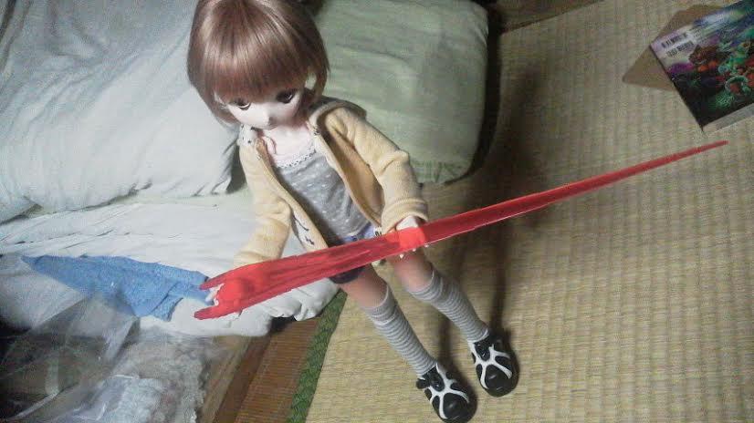 ミヅキ は ビームサーベル を ひろった !
