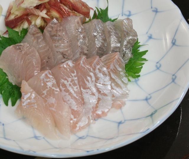 34 タナゴ刺身 (640x539)