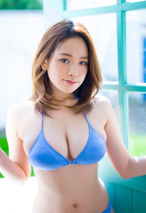 筧美和子のたわわなオッパイ画像