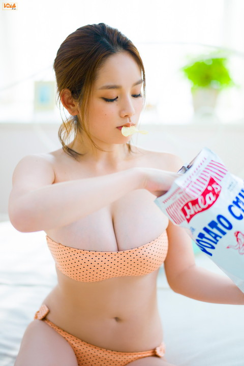 筧美和子のエロ過ぎるおっぱい画像