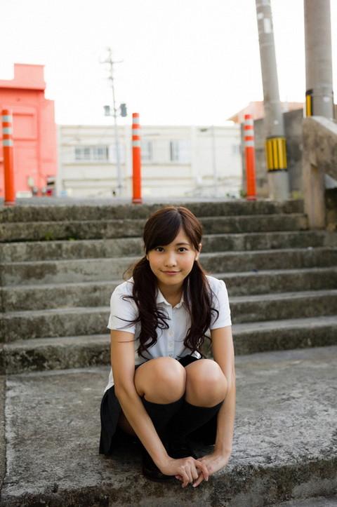 佐野ひなこの女子高生の画像