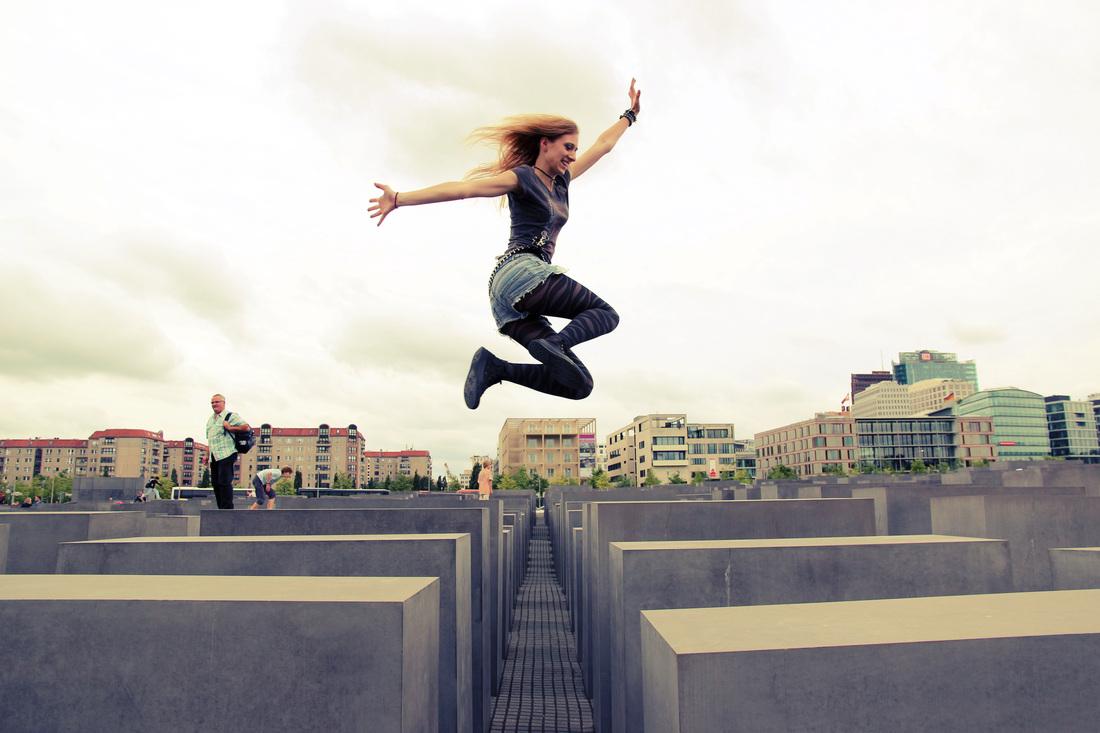 jump_4362759_orig.jpg